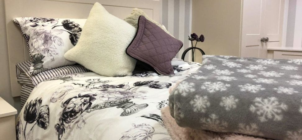bedroom cosy throws